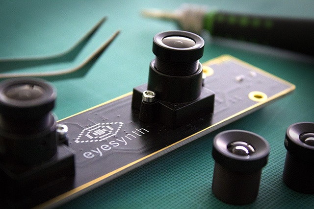 Glasses camera module
