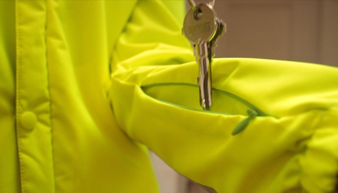 Comfort: You will stop losing your keys thanks to this little pocket.
