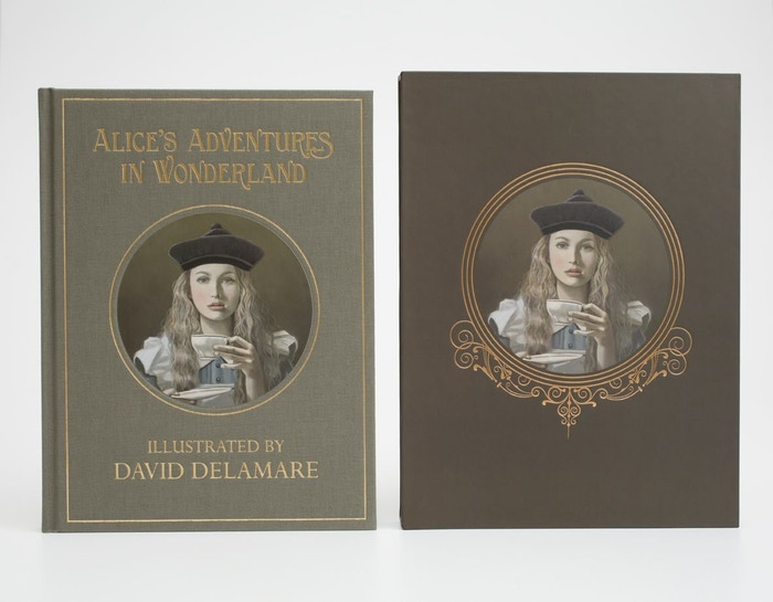 Alice in Wonderland Book (Illustrated by David Delamare) by Bad