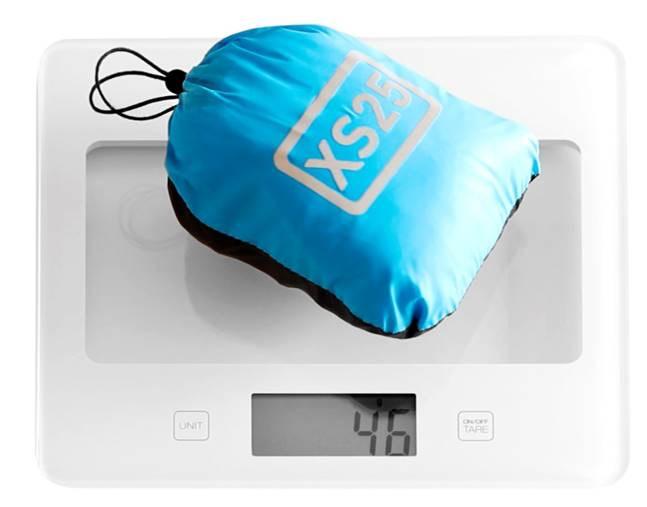 AiryVest (46 g / 1,6 oz) weighs the same as a golf ball!
