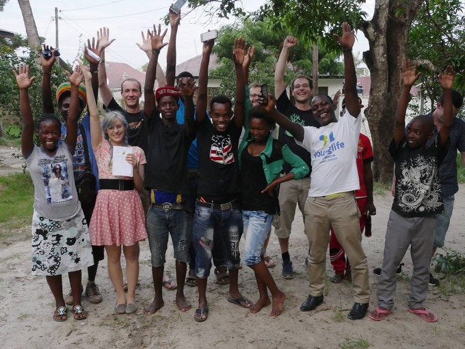 """Workshop at the """"Talent Search and Empowerment"""" youth project in Dar Es Salaam, Tanzania"""