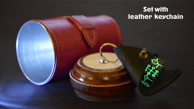 set with leather keychain