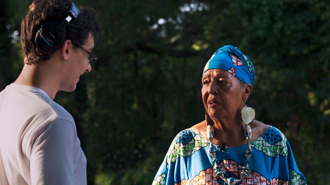Wikitongues co-director Freddie Andrade on the road in the USA's Lowcountry, interviewing Caroline Jabulile White, a renowned storyteller from the Gullah-Geechee community.