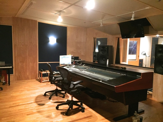 The control room of Mike Moss' Soundscape Studios