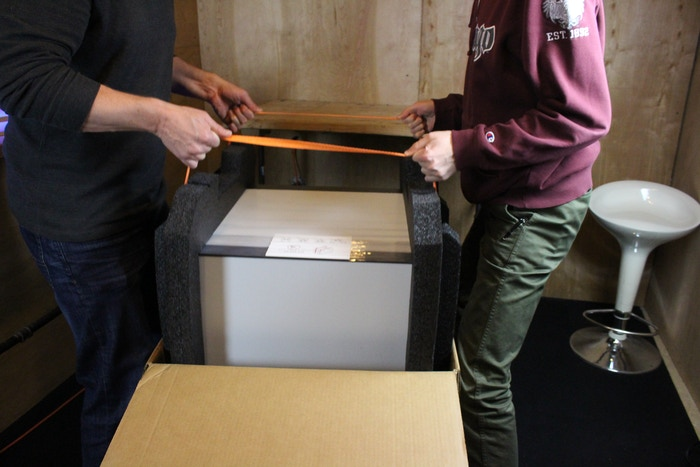 Carvey unboxing is a 2 person lift