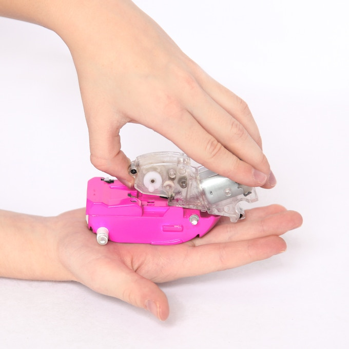 Watch your child connect the motor, gearbox and battery pack gaining an understanding of what gives it energy and how it's converted into motion.