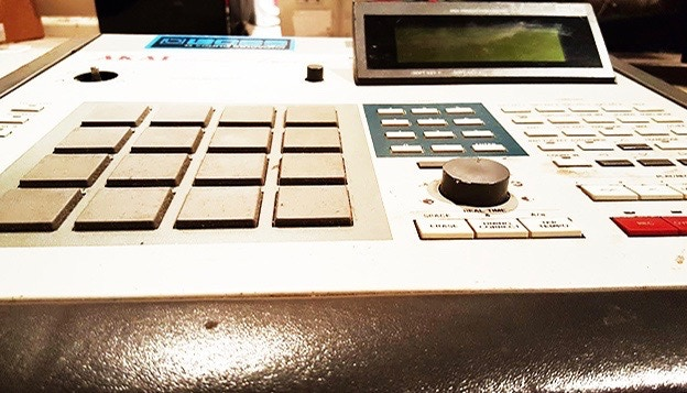 THIS MPC SHOULD BE IN A HIP-HOP MUSEUM - THE FIRST NBN ALBUM WAS MADE ON IT