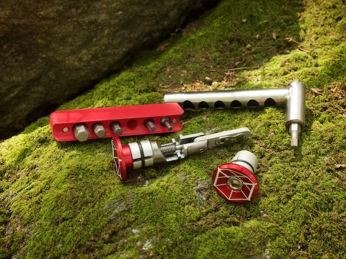 Barstow Chain Tool Set and Mini Bar