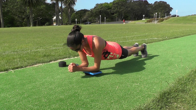 Our top 6 plank exercises.