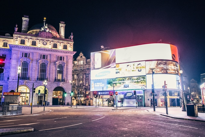 DESERT IN LONDON - Picadilly Circus - Christmas 2015