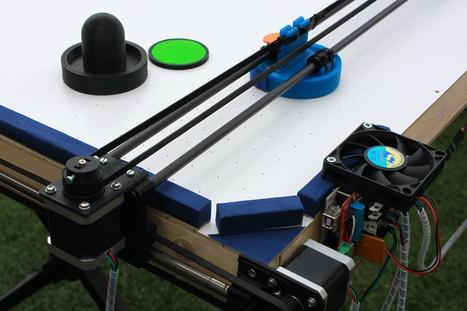 Air hockey robot (a 3D printer hack)