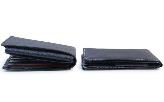 Both wallets contain 7 cards, an ID and some bills. Look how much thinner the Flare is!