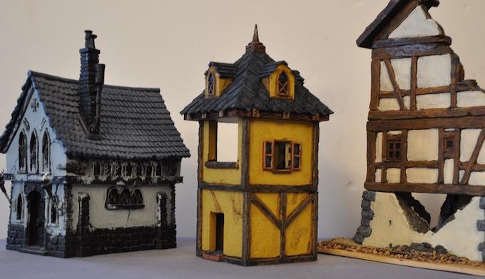 From left to right : Games Workshop Chapel - Via Ludibunda 3D print - Ziterdes ruined building