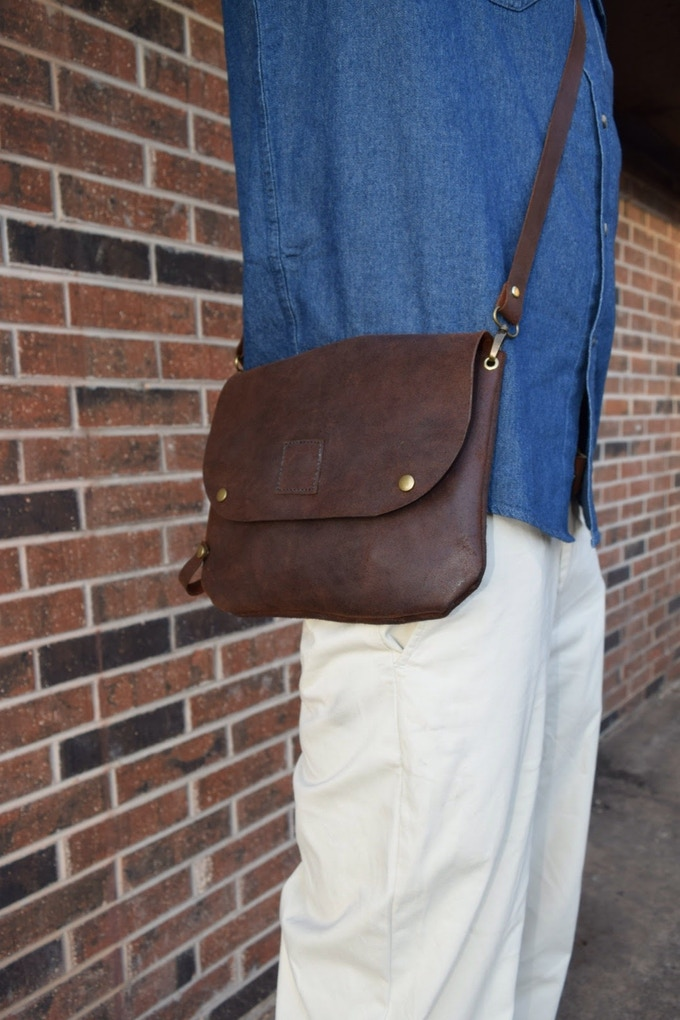 Bikegab used as crossbody bag with shoulder leather strap