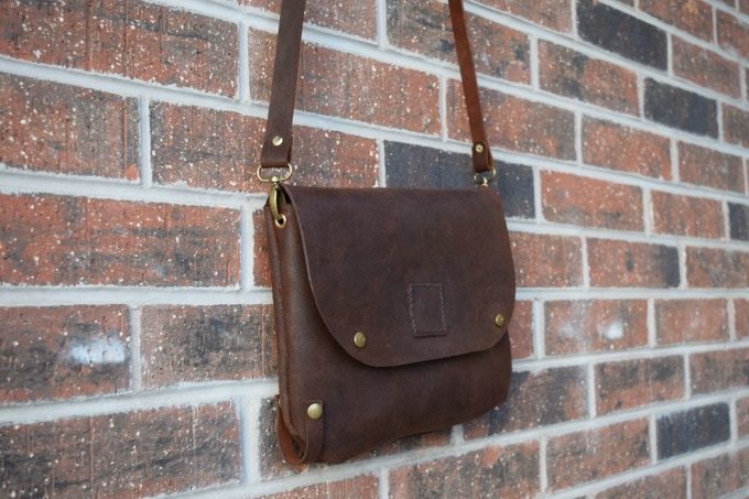 Bikegab with leather shoulder strap.
