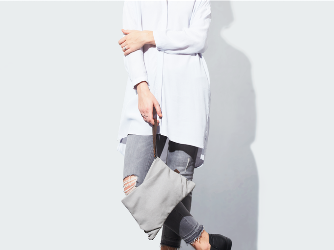 maya purse clutch (light gray)