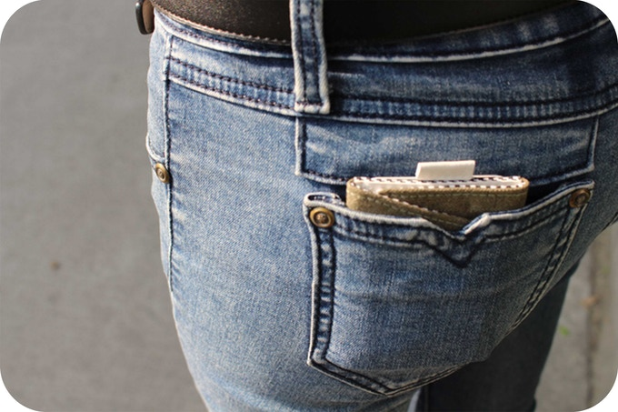 Comfortablely fits in your pants back pocket