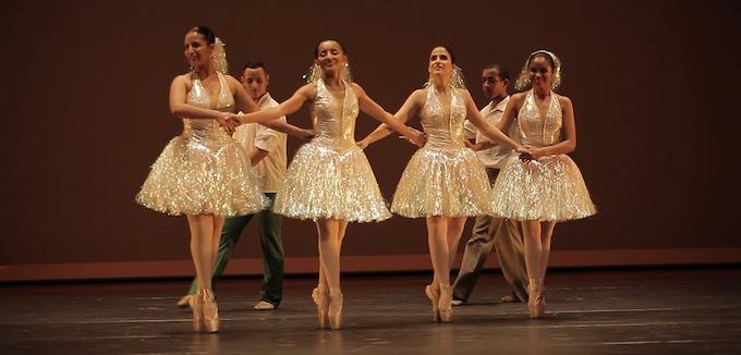 """Ballerinas dance """"Brasilierinho"""""""