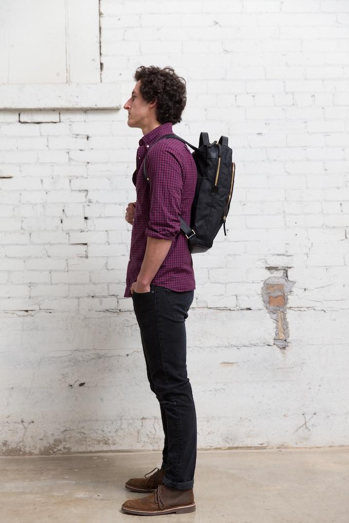"""Regular Size Bag - Model is 6'0"""""""