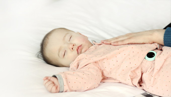 'allb' monitors the skin temperature, sleep patterns and respiratory rate of babies for the prevention of SIDS.