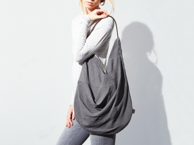 yume draped linen circle tote (gray)