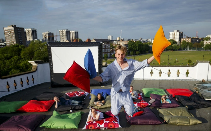 Pillow Cinema al fresco