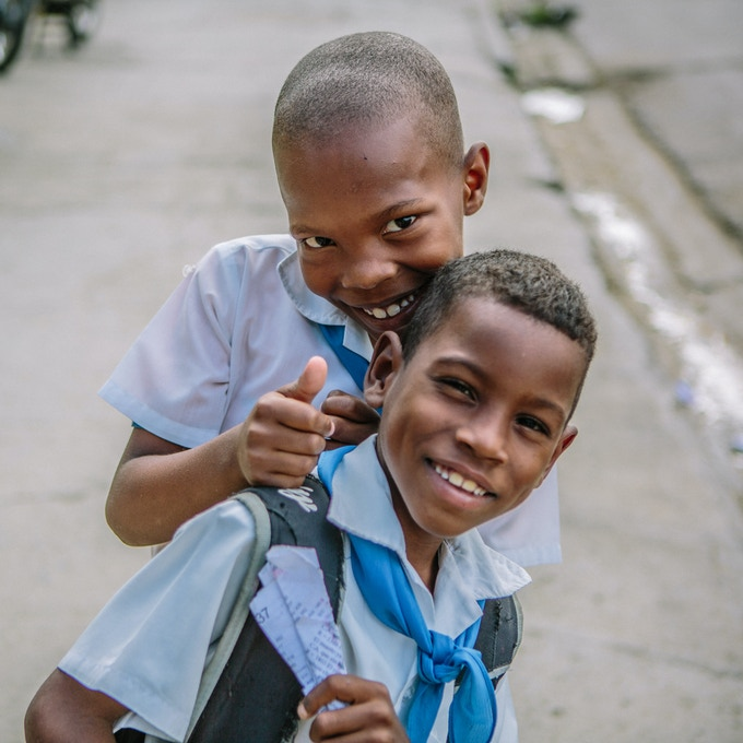 Kids after school in Santiago de Cuba, Cuba. By Asori Soto.