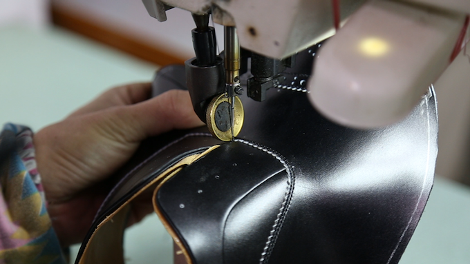 CLOSING THE LEATHER