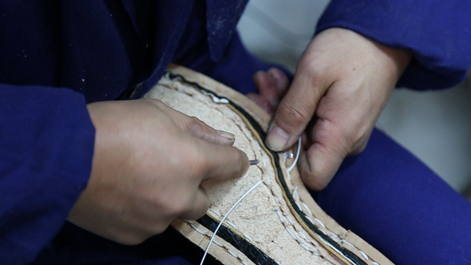 STITCHING WELT TO LEATHER INSOLE