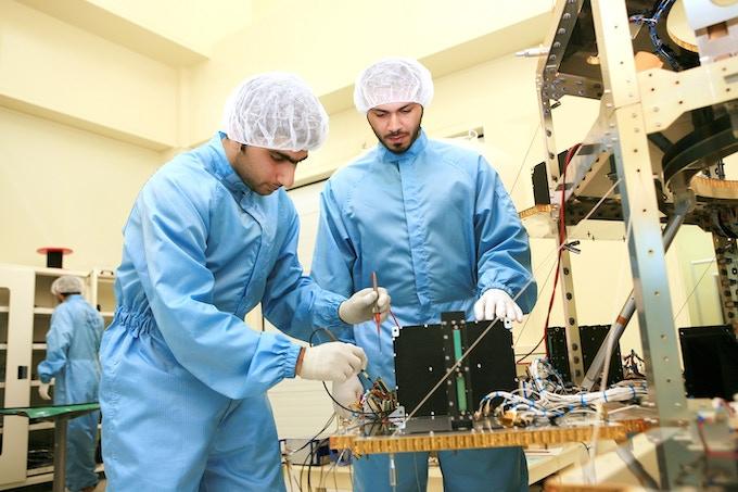 UAE space engineers (courtesy MBRSC)