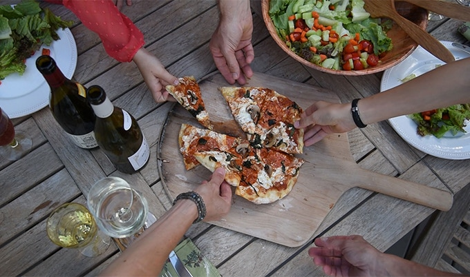 Entertain family and friends with backyard pizza parties.