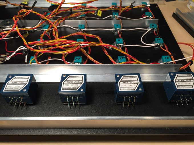 Inside the prototype: only the finest components. Alps potentiometers.