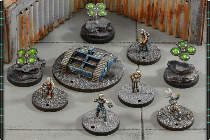 Example of Heimdall Industries models (left to right): Screamers (3), Cybermerc, Annihilator, Agents (2), Engineer and Steel Wizzard.