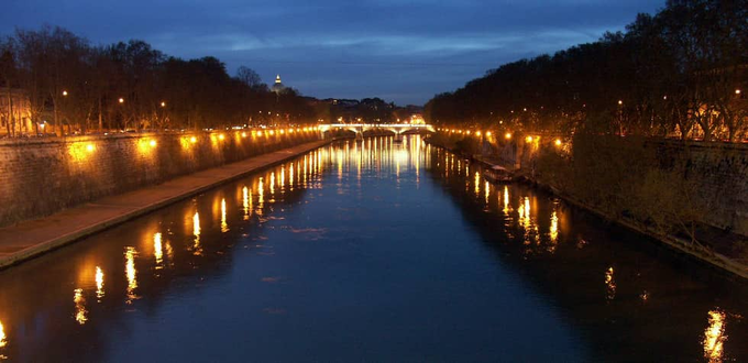 THE SITE : PIAZZA TEVERE