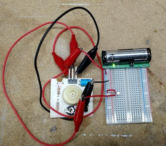 Clapper circuit needs more than 3.3V, BooSTick provides up to 5V