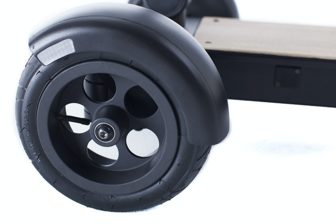 Custom Aluminum Wheels & Inflatable Shock Absorbing Tires