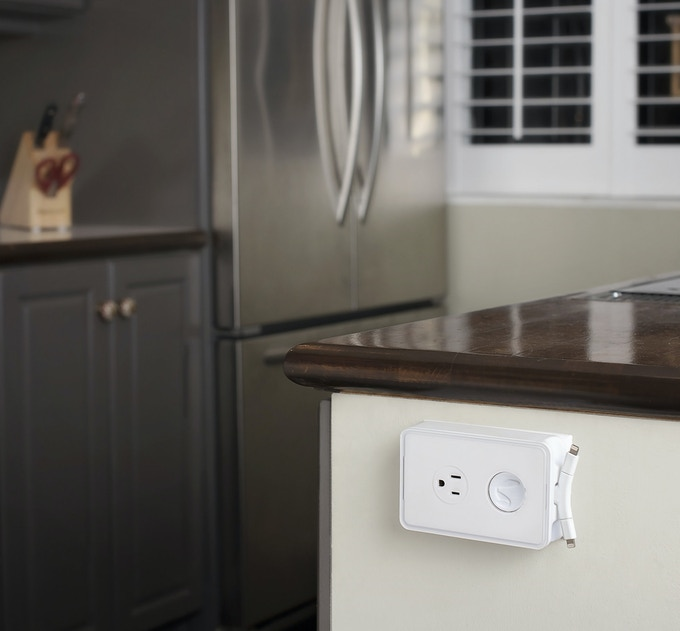 Horizontal or vertical outlet? The RABBITcharger installs into any standard duplex outlet no matter its orientation.