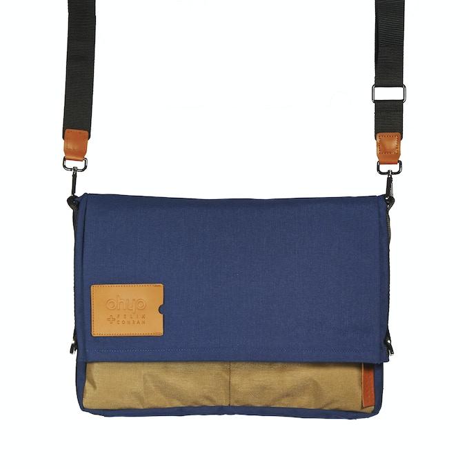 Blue Beige Bag in Messenger Bag Mode