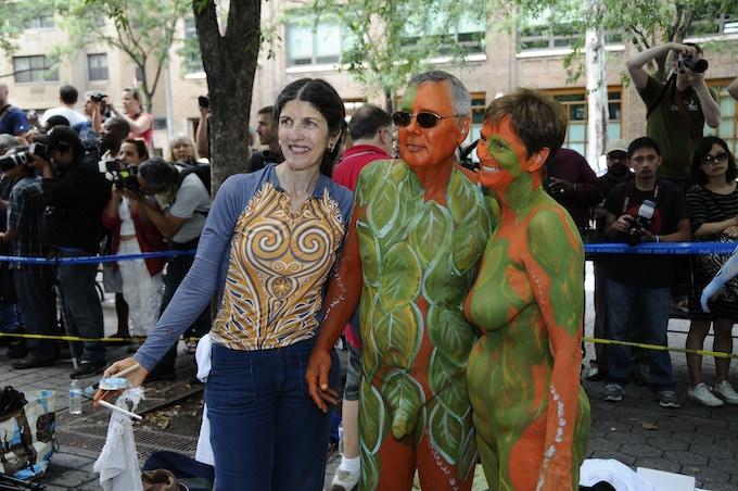 Lingerie body art demonstration   Skincognito Body Painting
