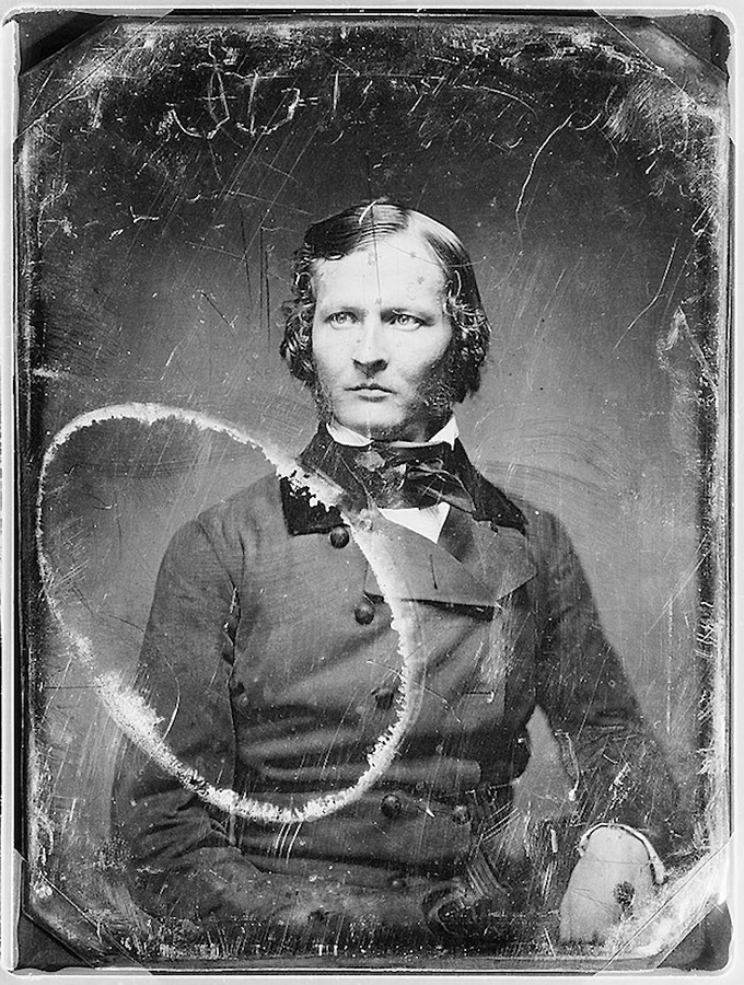 Portrait of unidentified man shot with a Daguerreotype camera © Mathew Brady's studio, between 1844 and 1860