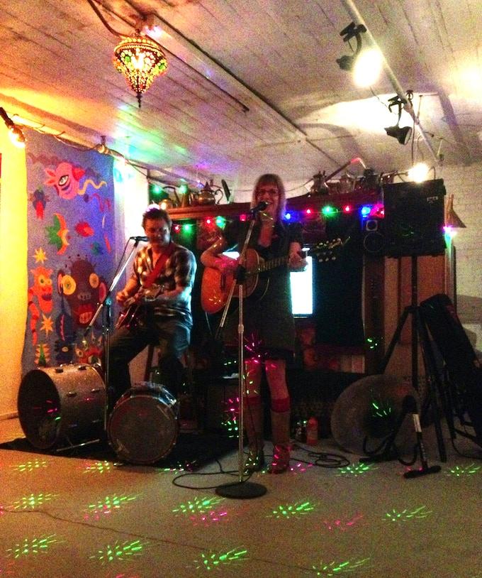 Krekel & WHoa! of the Dynamic ARTs League at the Samovar ARTs Lounge!