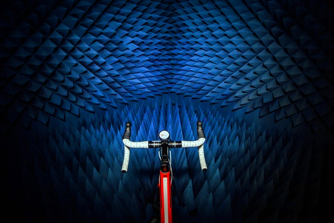 GPS signal testing in an anechoic chamber