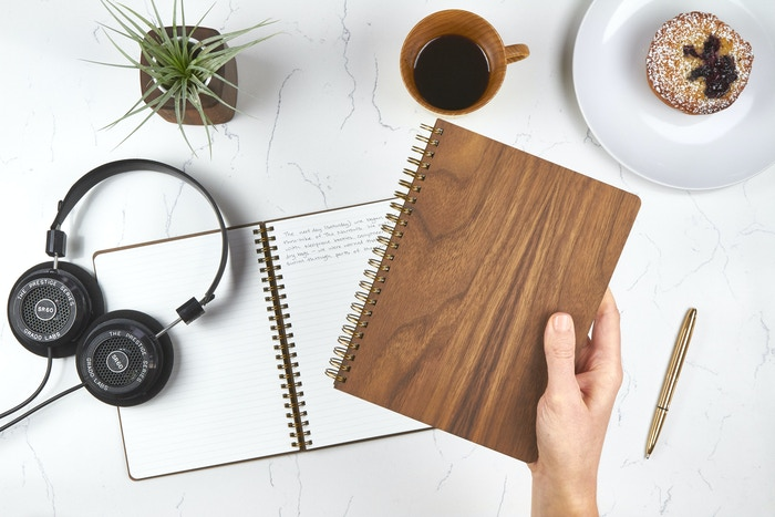 Carefully crafted real wood notebooks designed to inspire creativity. Made in the US from 100% recycled paper, walnut & brass.
