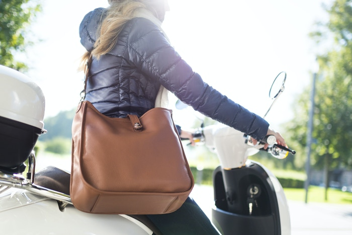 KATE is a handbag, shopper, messenger, clutch, laptop and camera bag. It's luxurious, cleverly designed and ethically produced.