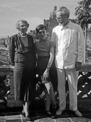 Trotsky with his wife (Natalia) and grandson.