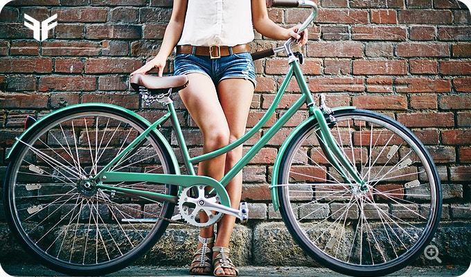 A stylish look on a classic urban bike