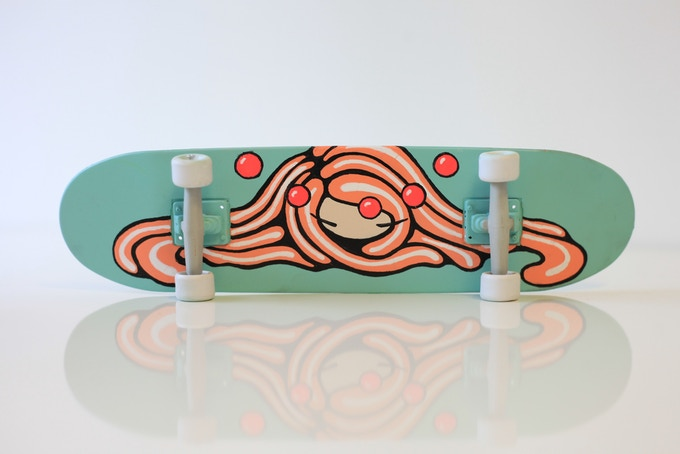 Painted skateborad (medium)