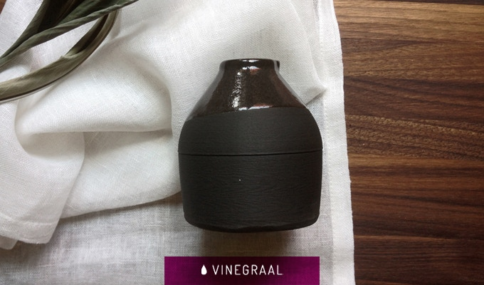 The porcelain pigmented 3D printed bottle.