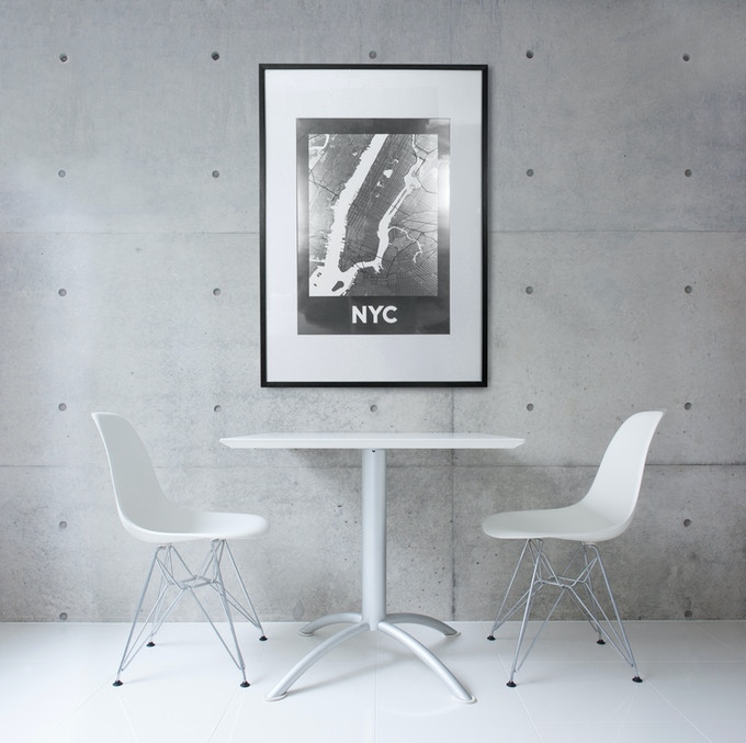 NYC poster shown in 50x70 cm size.