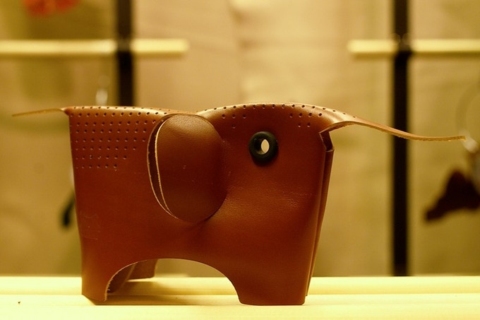 Adrien Rovero's Passionswege project at the Leather Manufacturer Posenanski © kollektiv fischka